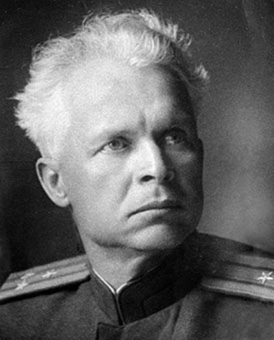 Олександр Петрович Довженко (1894-1956) — режисер, письменник, драматург, кінооператор