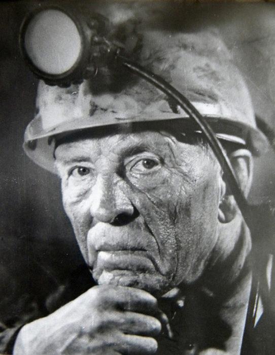 Олексій Григорович Стаханов (1905-1977). Новатор вугільної промисловості, основоположник руху передовиків виробництва