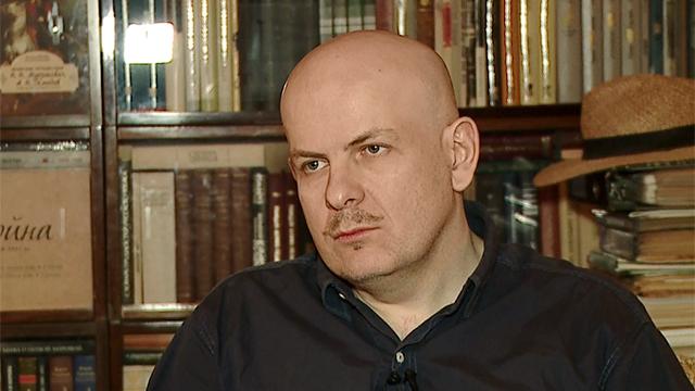 Олесь Олексійович Бузина (1969-2015) — український письменник, журналіст, сценарист і телеведучий