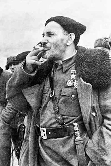 Сидір Артемович Ковпак (1887-1967). Командир партизанськоїармії.Двічі Герой Радянського Союзу