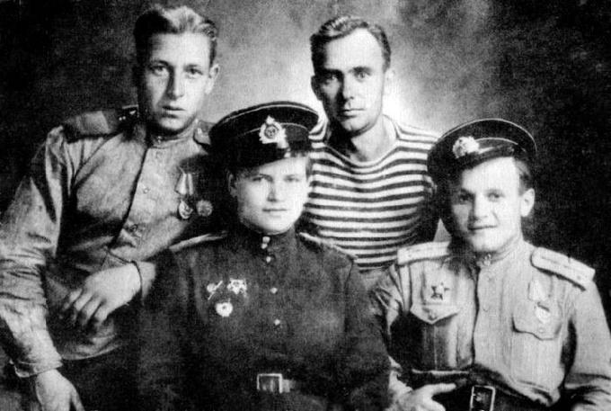 Євдокія Миколаївна Завалій (1924-2010). Командир взводу морської пехоти, гвардії полковник