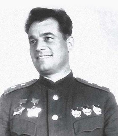 Іван Данилович Черняховський (1907-1945). Генерал армії. Двічі Герой Радянського Союзу