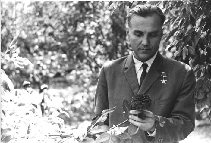 Василь Олександрович Сухомлинський (1918-1970). Видатний педагог, публіцист, письменник, поет