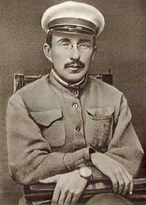 Антон Семенович Макаренко (1888-1939) — видатний педагог, один із засновників системи дитячо-підліткового виховання