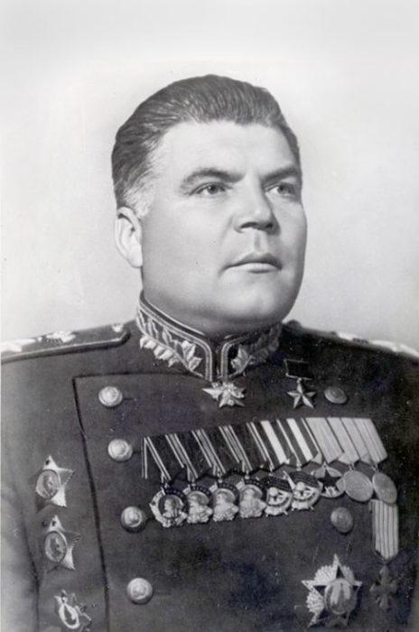 Родіон Якович Малиновський (1898-1967). Полководець Великої Вітчизняної війни. Маршал. Двічі Герой Радянського Союзу