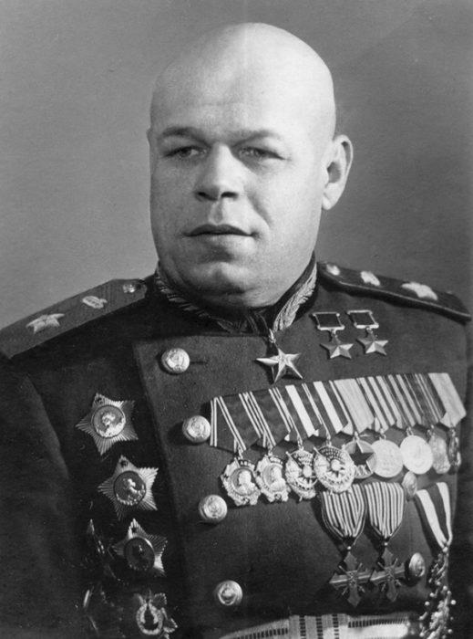 Павло Семенович Рибалко (1894-1948). Маршал. Командувач танковими та механізованими арміями. Двічі Герой Радянського Союзу
